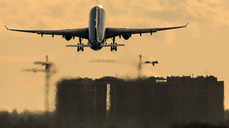 russia-partly-resumes-international-air-traffic,-reportedly-may-further-ease-travel-restrictions-in-10-days