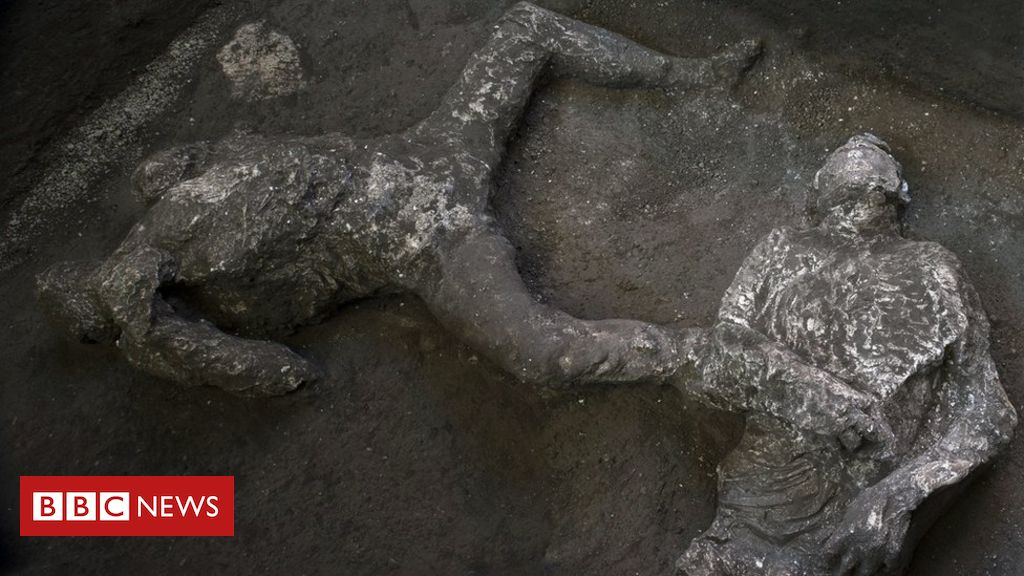pompeii:-dig-uncovers-remains-of-rich-man-and-slave-killed-by-vesuvius