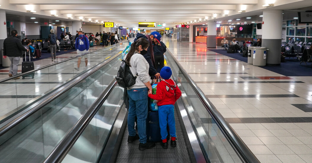the-airline-industry-had-hoped-for-a-bustling-holiday-travel-season-it-may-not-happen.