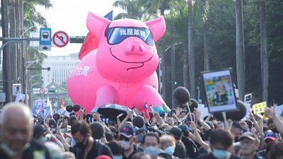 taiwan-protesters-march-against-us-pork-imports
