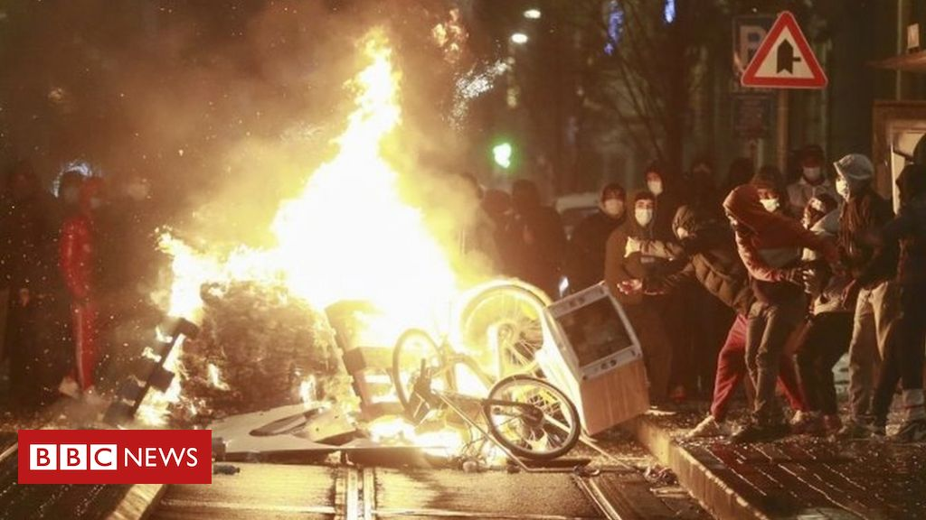 belgian-king's-car-hit-during-riots-over-death-in-police-custody