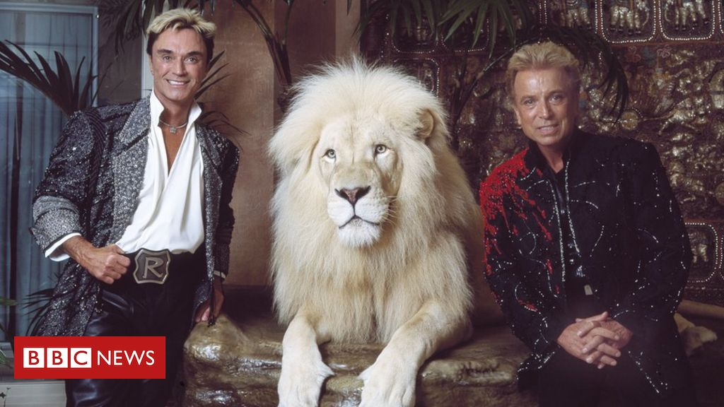 siegfried-fischbacher:-member-of-magic-duo-siegfried-and-roy-dies-aged-81