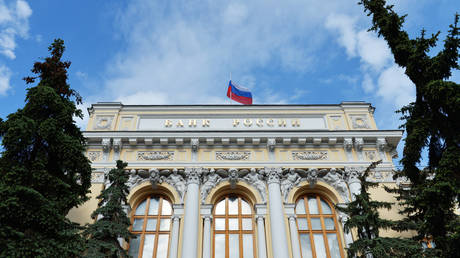 russia-slashes-its-foreign-debt-by-$21.3-billion-in-2020