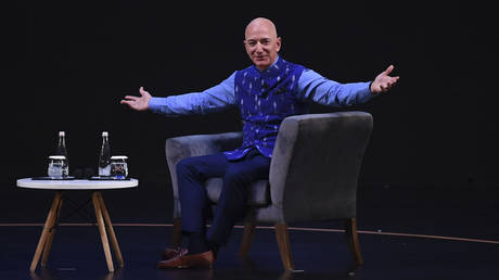 jeff-bezos-overtakes-elon-musk-to-reclaim-world's-richest-person-title