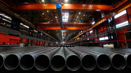 russian-factory-activity-grows-at-fastest-pace-in-two-years