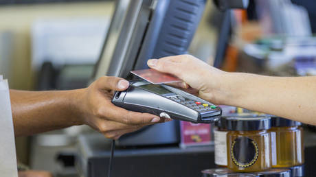 russia-sees-record-share-of-cash-free-transactions-as-it-moves-closer-to-cashless-society