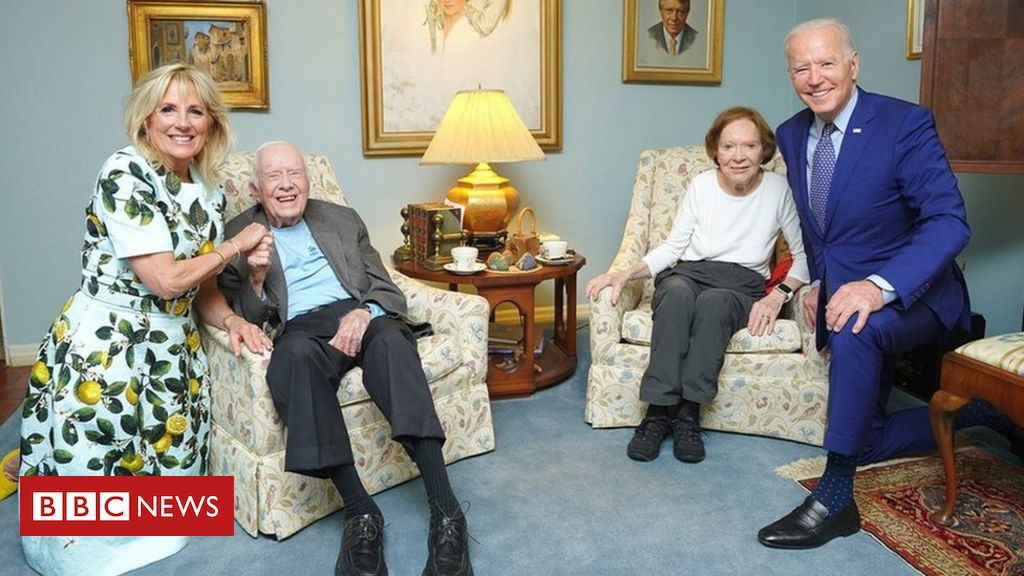 biden-carter:-what's-going-on-in-this-picture?