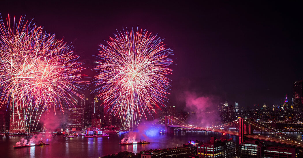 macy's-july-4-fireworks-return-to-nyc.-at-pre-pandemic-brilliance