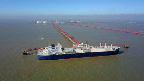 china-about-to-become-top-lng-importer-this-year