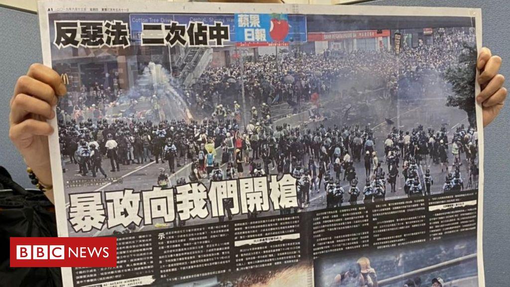 apple-daily:-hong-kong-pro-democracy-paper-announces-closure