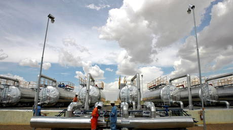 india's-oil-imports-slide-to-nine-month-low-amid-renewed-lockdowns