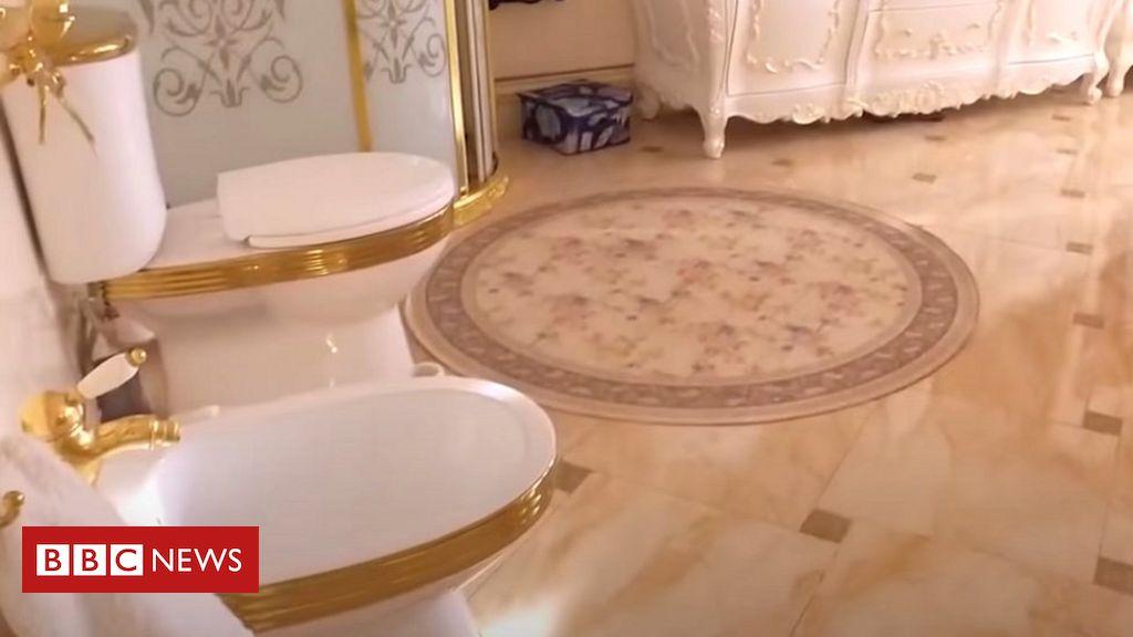 gold-toilet-found-in-russian-police-bribery-probe