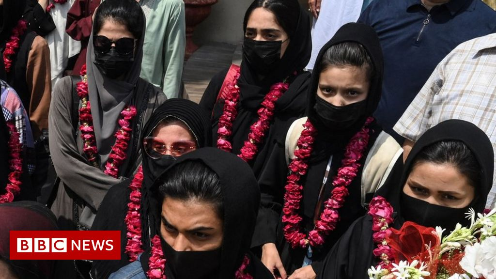 afghanistan-women's-youth-soccer-team-escapes-to-pakistan