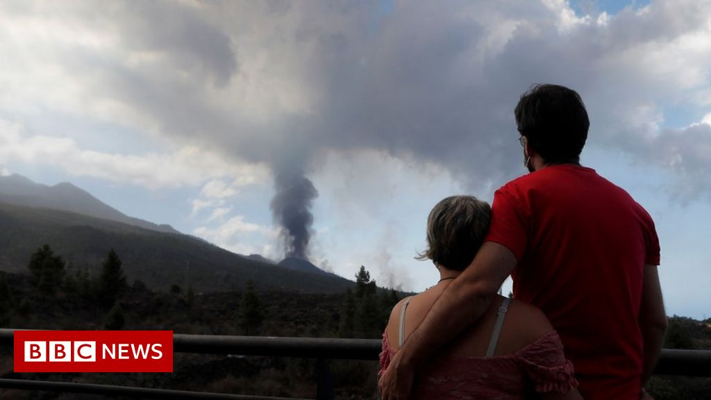 canary-islands:-airport-closed-as-volcano-intensifies