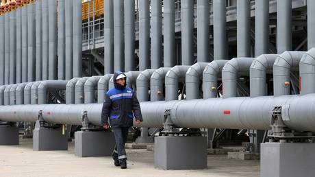 gazprom-raises-forecast-for-gas-export-prices-by-over-10%-in-2021
